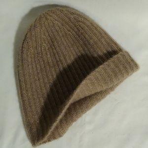 Portolano 100% cashmere beanie hat.